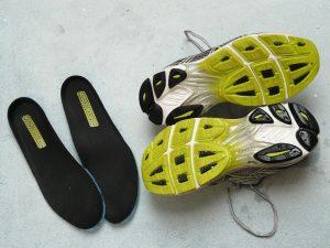 clean shoe insoles